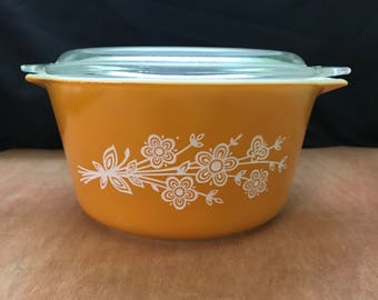 Vintage Butterfly Gold 2 Pyrex 1Qt Casserole Dish with Lid