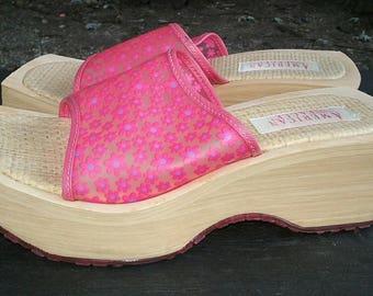 VTG 90s platform wedge slide sandals translucent pink daisy flower foam 7.5