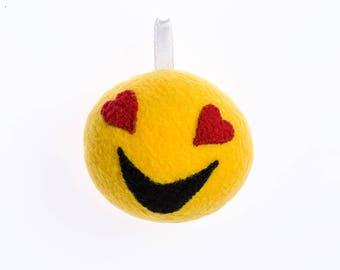 Enamored smiley keychain