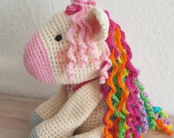 Cute crocheted unicorn gift amigurumi süß gehäkelt einhorn geschenk