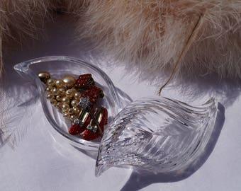 Jewelry box made of glass, leaf shape, retro, vintage, bathroom, storage.