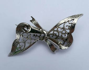 Hallmarked Sterling silver bow brooch pin vintage. Pay only one postage however much you buy