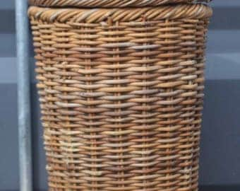 Vintage thick weave laundry basket