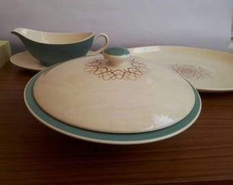 Royal doulton serving bowl with lid