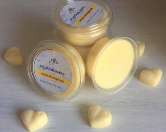 Lemon meringue scented soy wax tub
