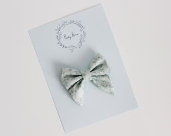Small bow | spring