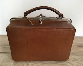 Old vanity case, grooming kit, leather vanity case, gentlemans grooming, man vanity case, old English style, vintage travel kit