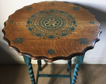 Fabulous oak vintage barley twist table; painted base and decorative stencilled top section