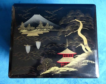 Vintage Japanese lacquerware jewellery box with drawer and mirror