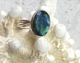 Sterling Silver Ring with big Labradorite Stone / gemstone ring / natural untreated stone