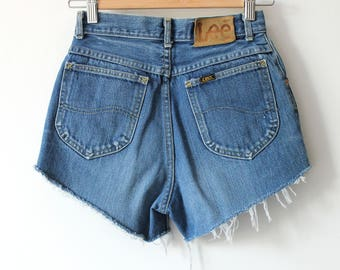 Vintage High Waisted Lee Denim Cutoffs Jean Shorts Distressed Daisy Dukes 90s size XS W24