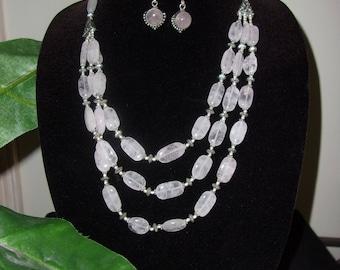 Very Elegant Rose Quartz necklace & earrings set