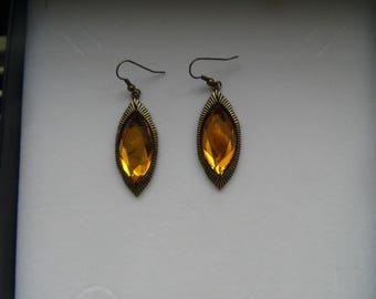 Nice pair of earrings with yellow stone