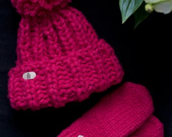 Chunky Neon Pink Woman Knitted Hat and Mittens set