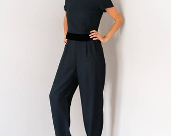 Perfect Vintage 80s 90s Liz Claiborne Black Velvet Trim Pleated Wide Tapered Leg Jumpsuit Pantsuit Romper Playsuit Size 4 Petite Small S