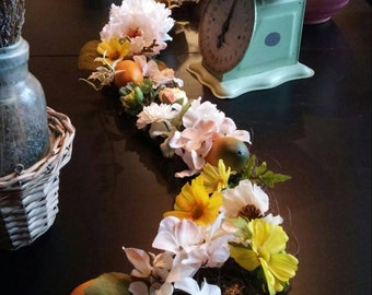 Spring Garland/Tablescape/Easter Decor/Centerpiece/Summer Decor/Wedding/Floral Decor/Handmade/Unique/Yellow and White/Lemons/Ready to Ship