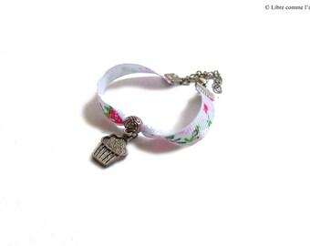 Pink white floral Ribbon Bracelet