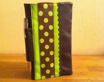 """""""peas"""" checkbook cover with pencil holder and credit card compartments"""
