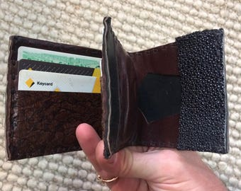 leather wallet with a better change pouch