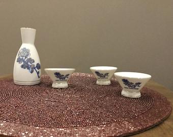 Vintage Japanese Saki Set