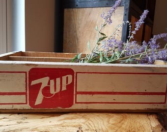 Vintage 7 UP soda crate