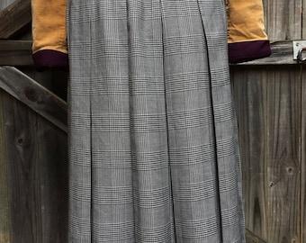 Vintage retro Portfolio Australia pleated skirt