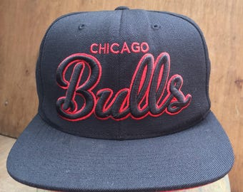 Rare Vintage Chicago Bull Mitchell & Ness hat free saiz fit all