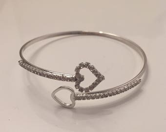 Heart pattern with bright finish band white gold