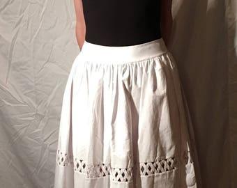 Alex and Olivia white picnic Skirt
