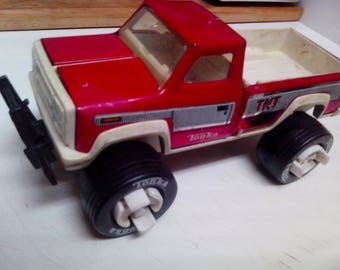 Vintage Tonka Pickup TNT Truck with Removable Wheels