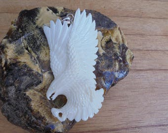 Flying Eagle Bone Pendant, Eagle Bone Carving Jewelry EG01