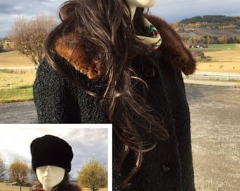 Vintage coat in wool with faux-fur collar fits size s-m