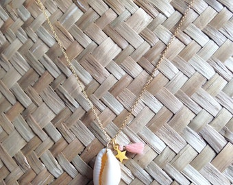 Cowrie, pink tassel and gold star necklace