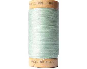 Thread to sew. Opalescent Green · Organic cotton