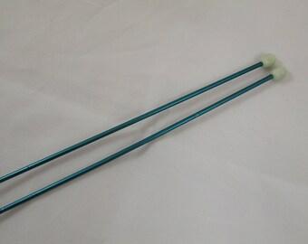 Vintage green metal No. 3-40cm needles
