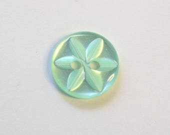 Button star 11 mm x 20 green 2 hole - 001604