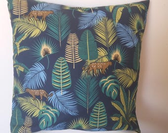 Cover cushion foliage and animals; 40x40cm
