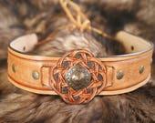 Tiare couronne diadème bandeau guerrier celte médiéval antique homme en cuir repoussé