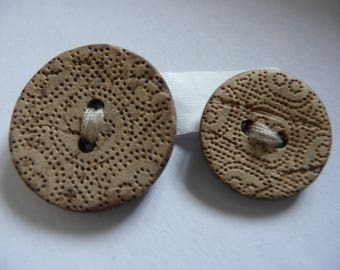 LOT OF 2 BUTTONS - For all your sewing jobs - Haberdashery