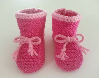 Toes boots pink fluchsia brightened with a lighter pink 6-9 months