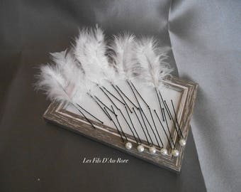 Set of 12 pins with pearls & feathers white