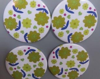 Green Daisy pattern magnets