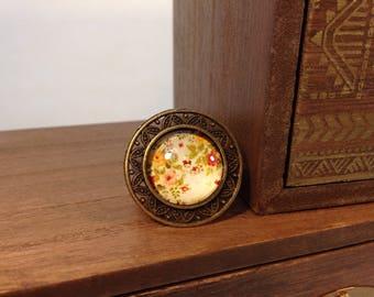 Vintage floral cabochon ring