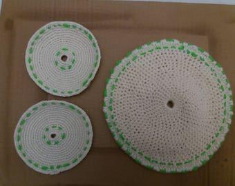 Green and white oven trivet set