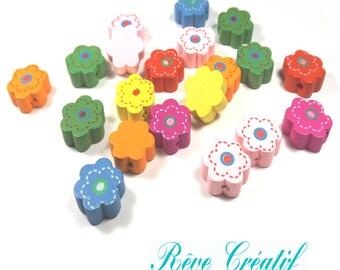10 Perles en Bois motif Fleur 15mm x 13mm Multicolores