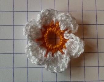 Crochet applique flower orange white sale unit 2