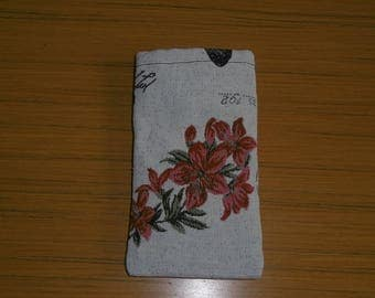 Cover red flowers phone sock