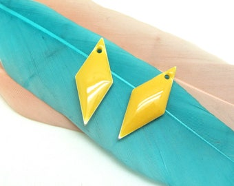 Set of 2 sequins enamel yellow Triangles - 18 * 8 mm