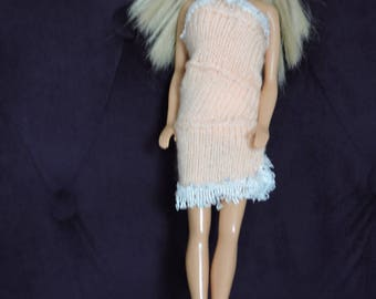 Right dress for barbie knitted hands