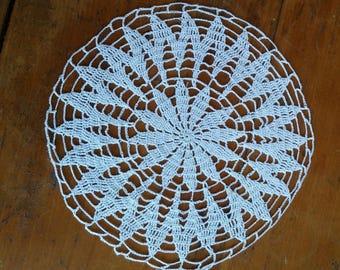 handmade white cotton 18 cm round doily